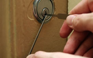Door locks Rushden